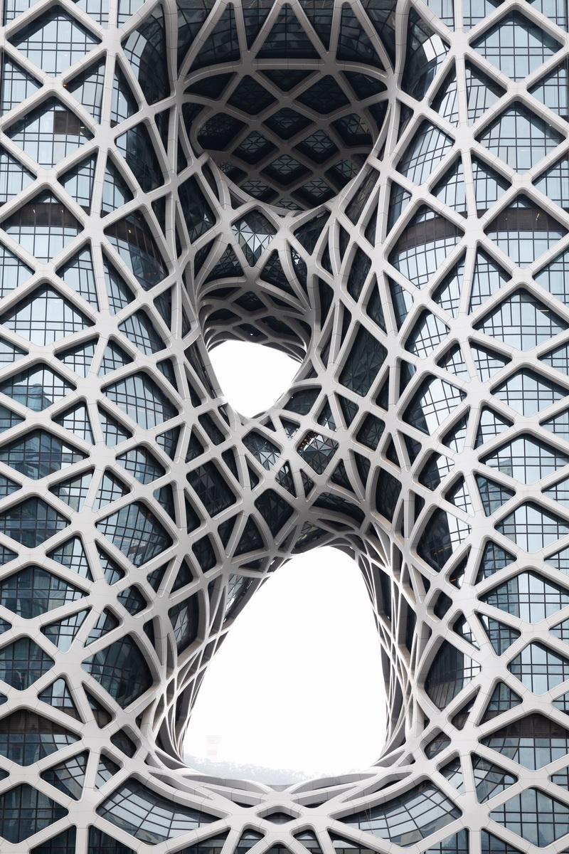 Analysis of steel structure application from the Morpheus Hotel