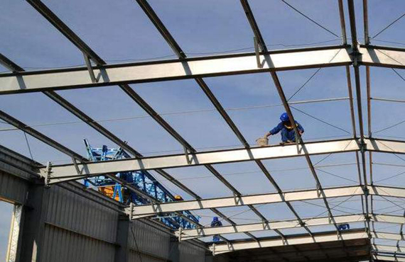 Steel structure roof truss installation process