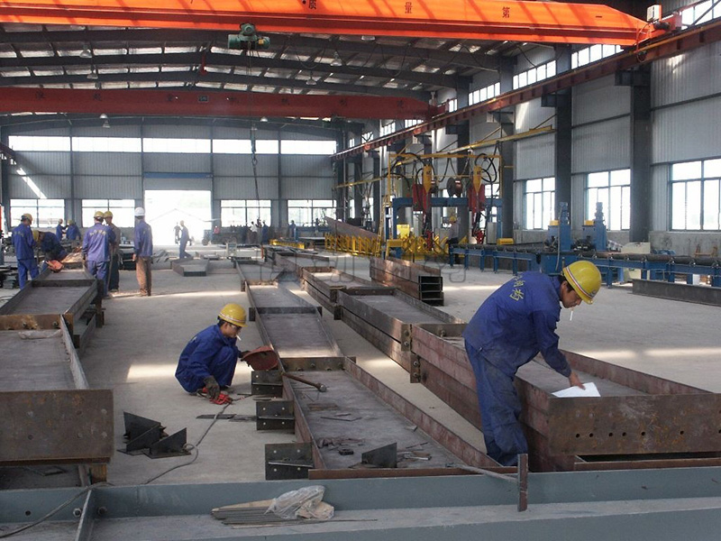 Steel Structure Building Assembly (Manual Welding)